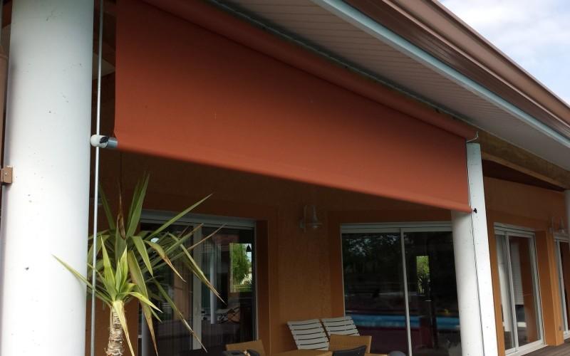 concept bois pvc stores ext rieur. Black Bedroom Furniture Sets. Home Design Ideas